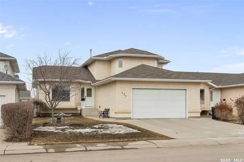House for sale at 531 Pezer Cres Saskatoon Saskatchewan - MLS: SK803976