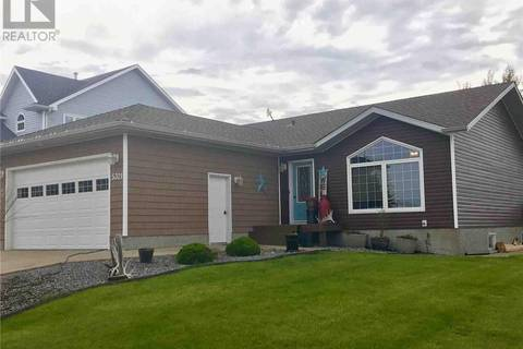 House for sale at 5321 Herald St Macklin Saskatchewan - MLS: SK756417