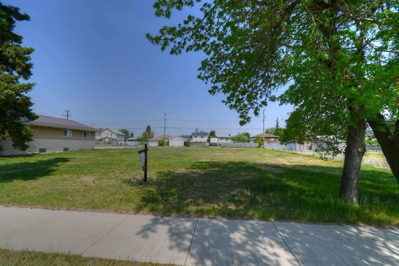 5322 - 5326 50 Avenue, St. Paul Town | Image 2