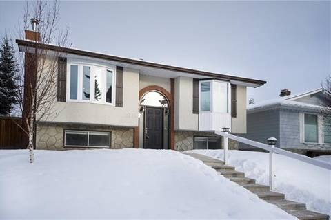 House for sale at 5324 Silverdale Dr Northwest Calgary Alberta - MLS: C4279272