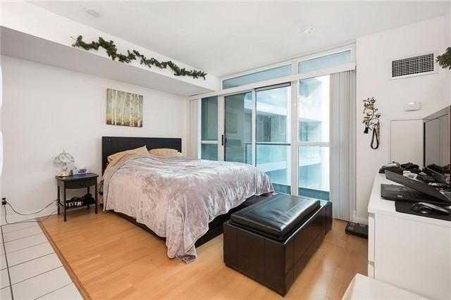 Sold: 533 - 600 Fleet Street, Toronto, ON