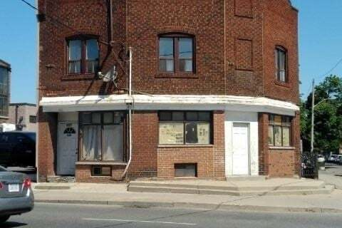 Townhouse for sale at 534 Rogers Rd Toronto Ontario - MLS: W4807066