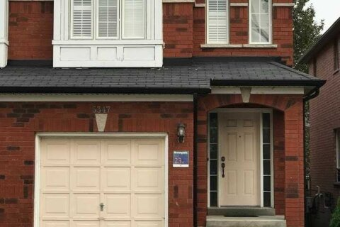 Townhouse for rent at 5347 Longhouse Cres Mississauga Ontario - MLS: W4967240
