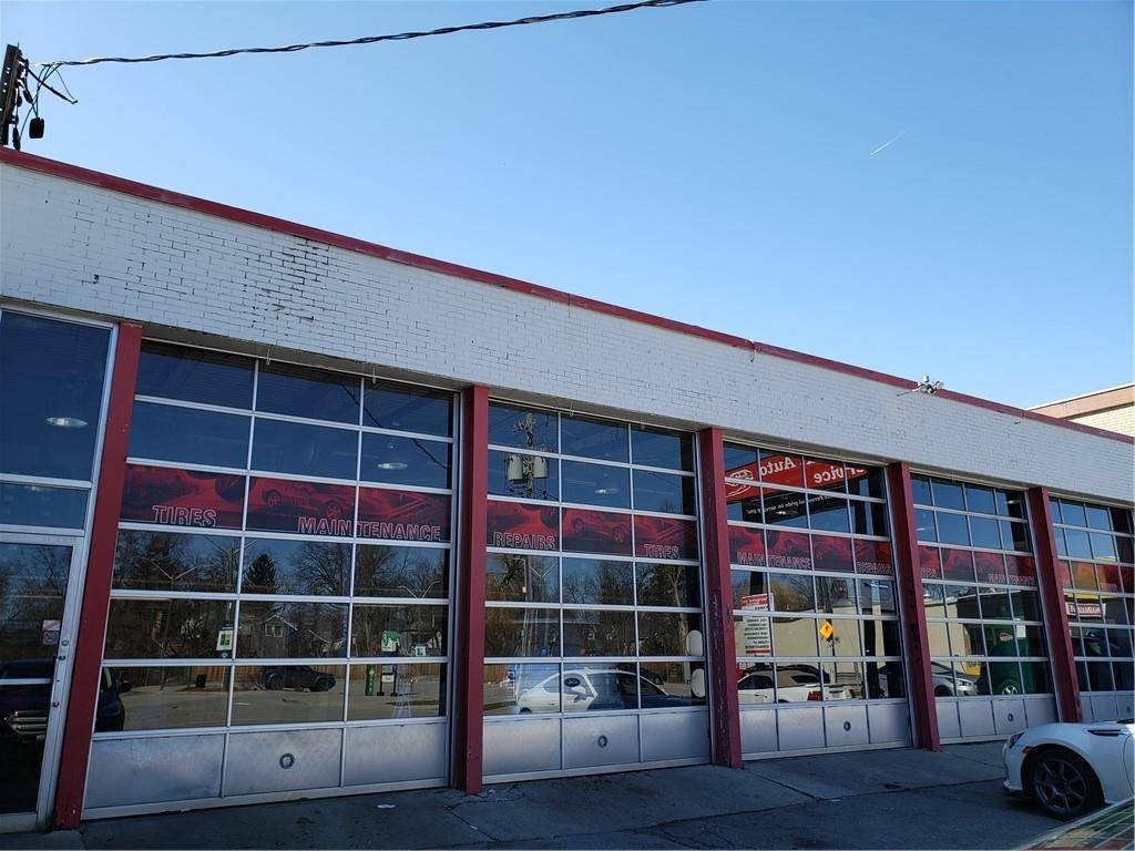 Commercial property for sale at 535 Brant St Burlington Ontario - MLS: H4075150
