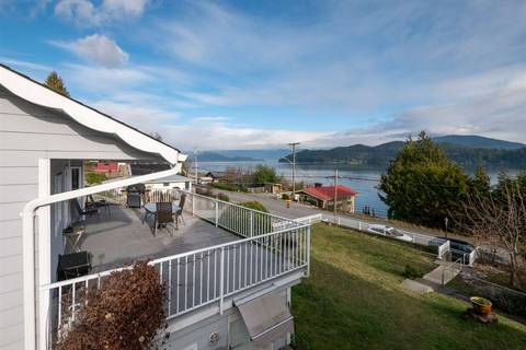 House for sale at 535 Marine Dr Gibsons British Columbia - MLS: R2434000
