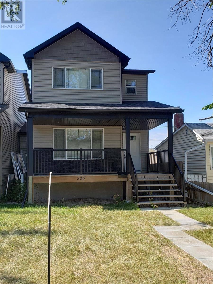 House for sale at 537 L Ave N Saskatoon Saskatchewan - MLS: SK784314