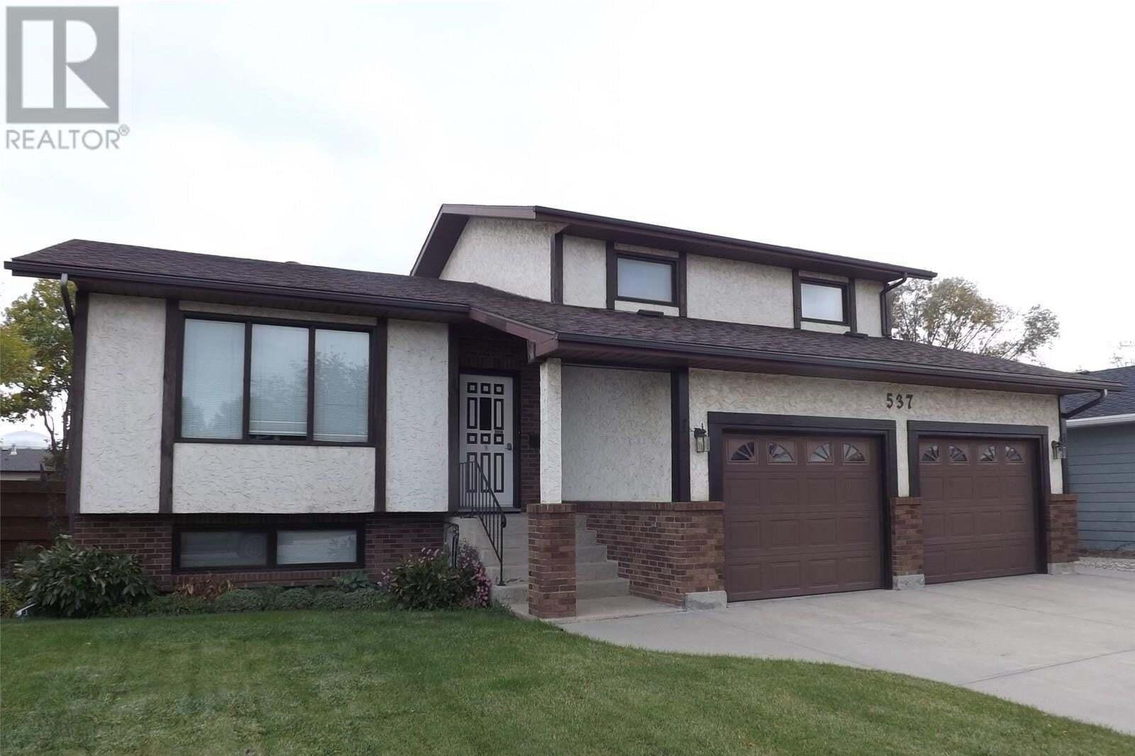 House for sale at 537 Milne Cres Estevan Saskatchewan - MLS: SK830445