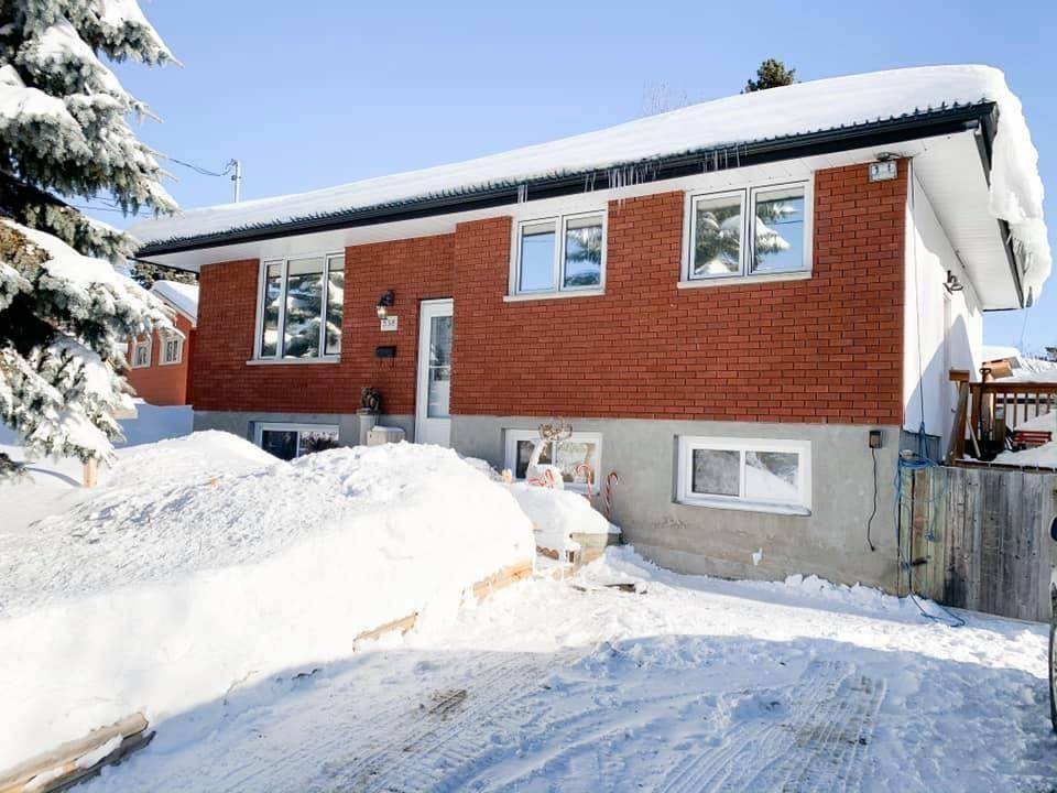 House for sale at 538 Current Ave Thunder Bay Ontario - MLS: TB200115