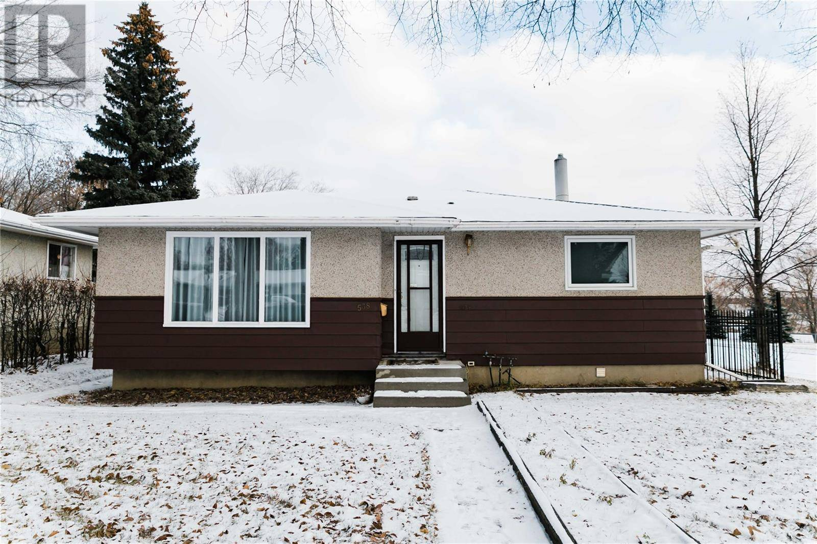House for sale at 538 T Ave S Saskatoon Saskatchewan - MLS: SK790908