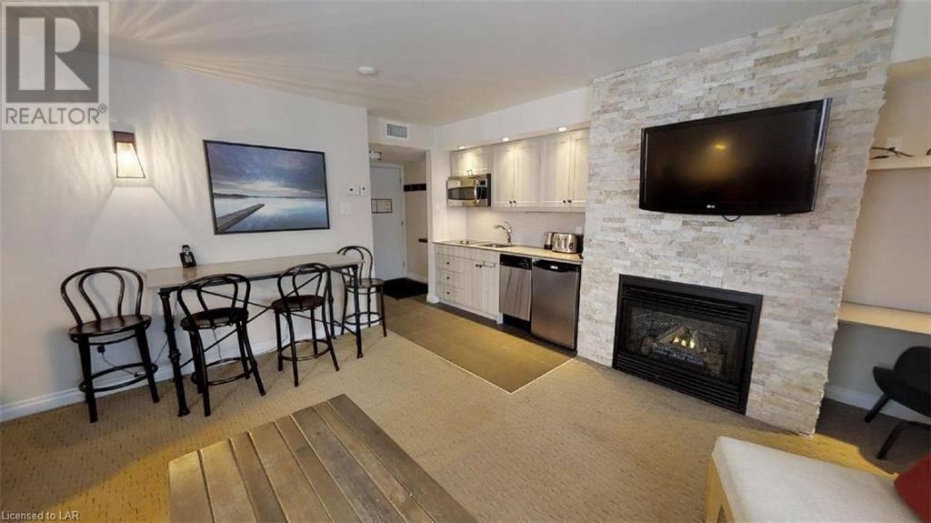 Condo for sale at 102 Deerhurst Resort - Summit Lodge Dr Unit 54 Huntsville Ontario - MLS: 256105