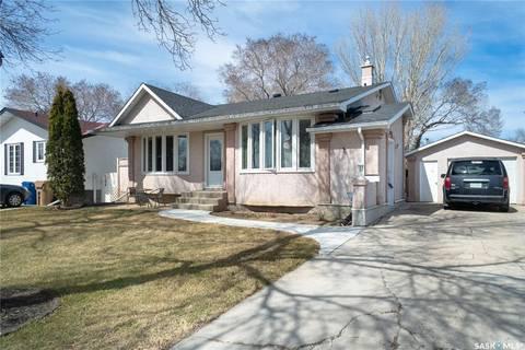House for sale at 54 Fuhrmann Cres Regina Saskatchewan - MLS: SK760037