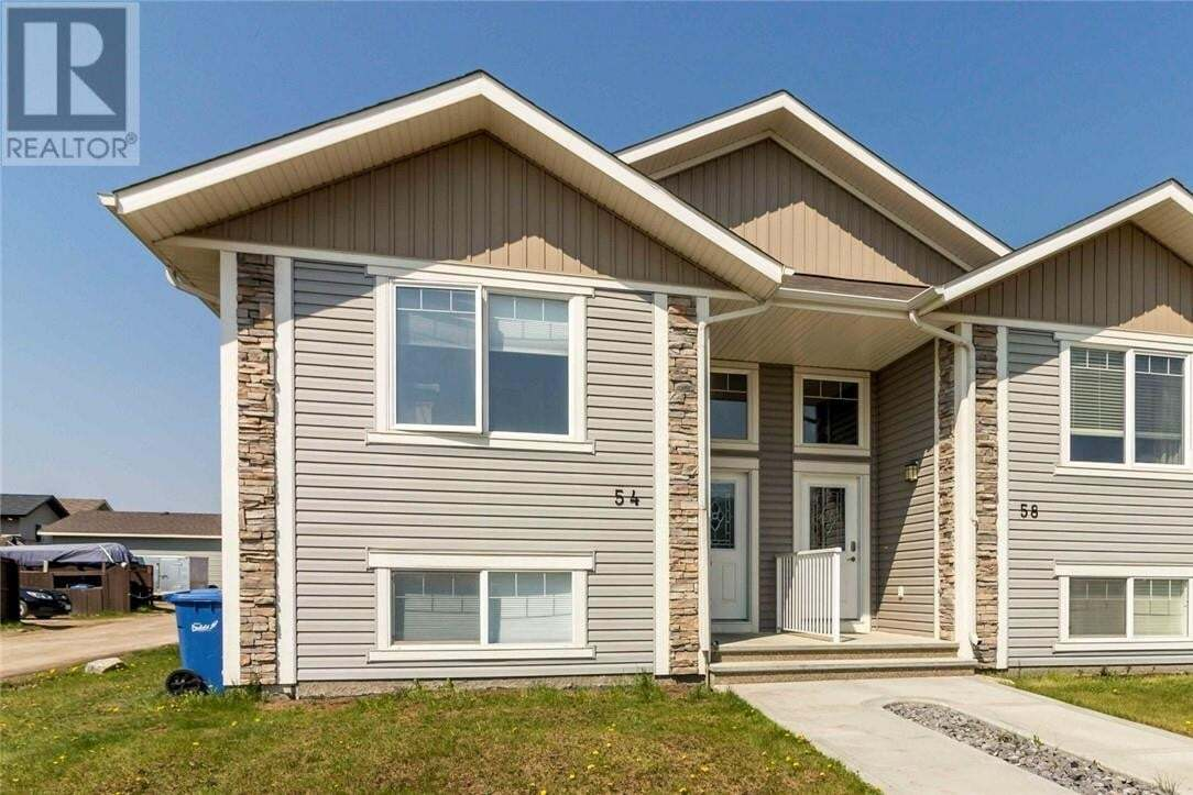Townhouse for sale at 54 Heritage Dr Penhold Alberta - MLS: CA0189519