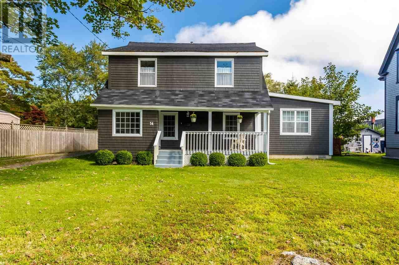House for sale at 54 King St Yarmouth Nova Scotia - MLS: 201921481