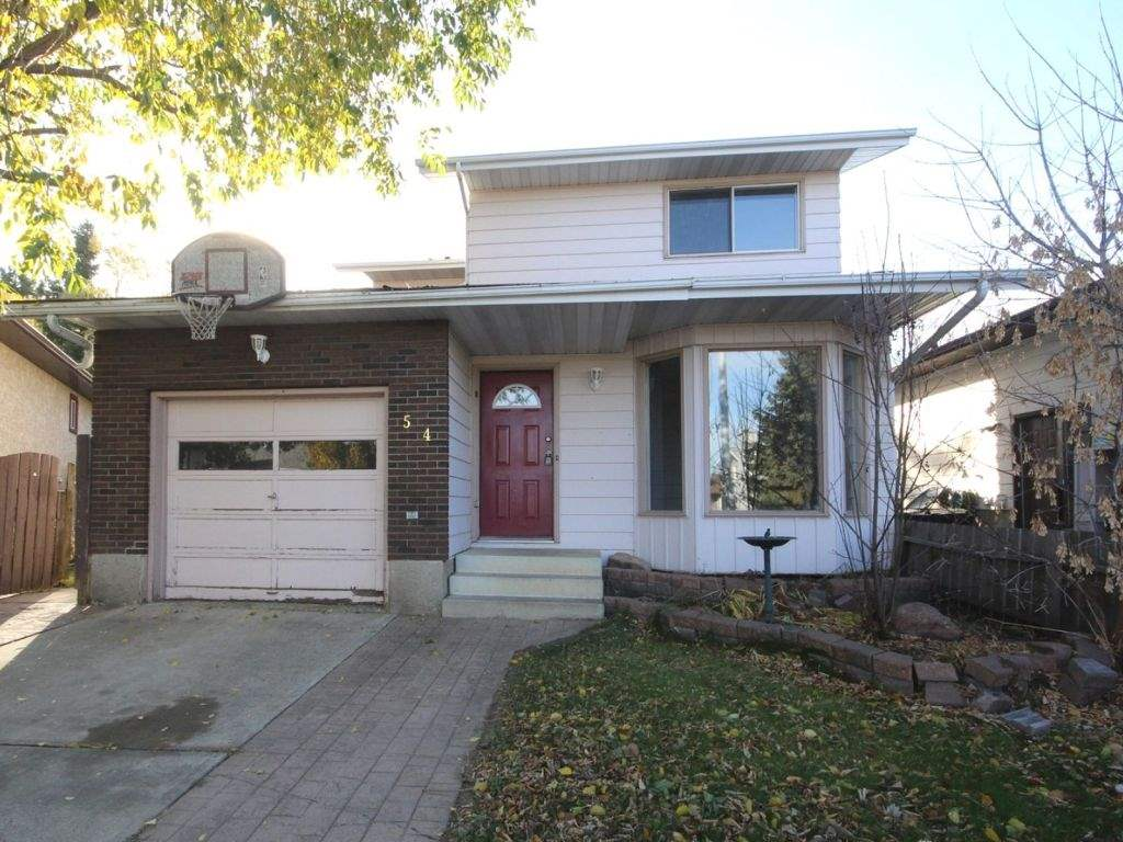 For Sale: 54 Westglen Crescent, Spruce Grove, AB | 3 Bed, 1 Bath House for $250,000. See 19 photos!