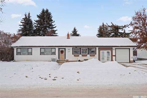 House for sale at 540 20th St W Prince Albert Saskatchewan - MLS: SK799346