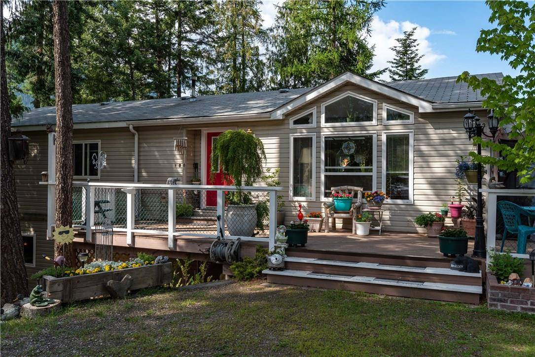 House for sale at 540 J Avenue  Kaslo British Columbia - MLS: 2436945