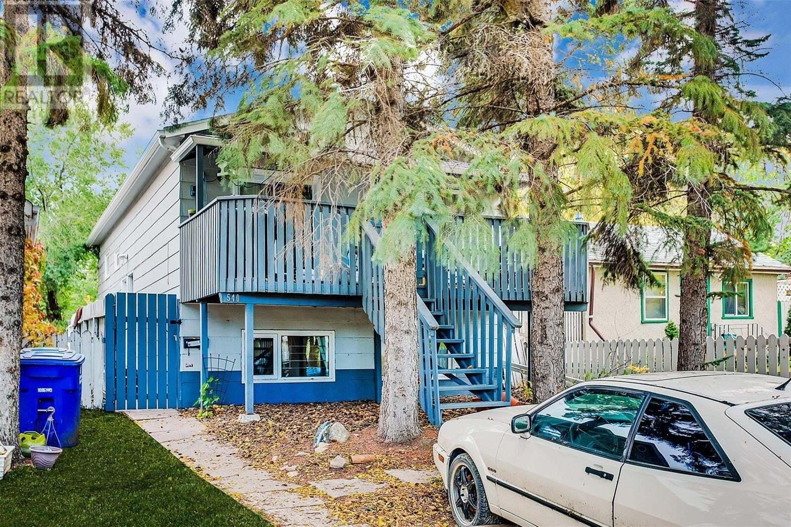 House for sale at 540 K Ave N Saskatoon Saskatchewan - MLS: SK827931