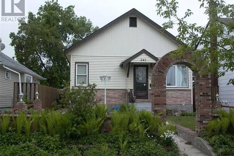 House for sale at 541 12th St E Prince Albert Saskatchewan - MLS: SK772319