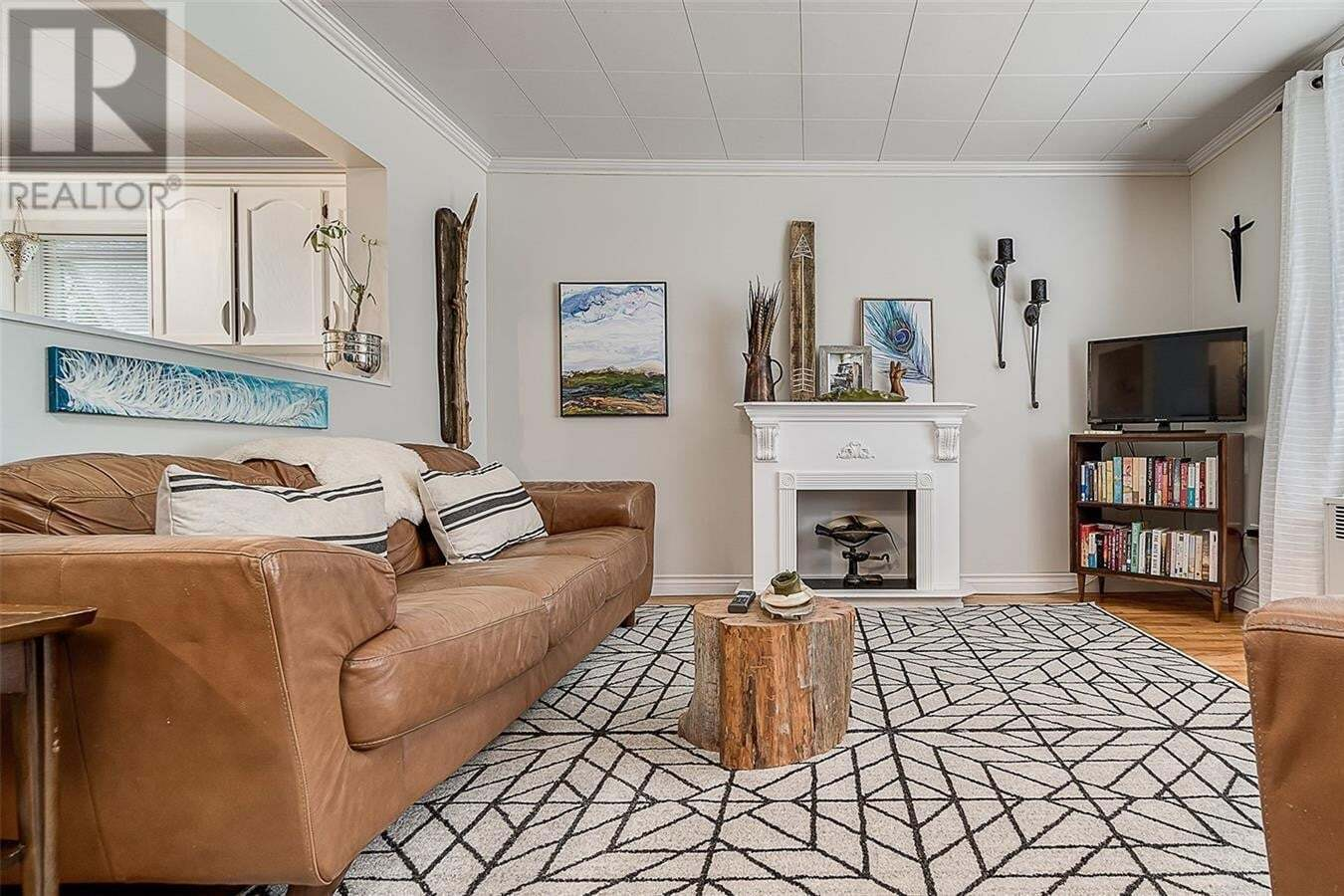 House for sale at 541 Hochelaga St E Moose Jaw Saskatchewan - MLS: SK811660