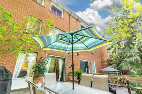 Townhouse for sale at 541 Woodbine Ave Toronto Ontario - MLS: E4773065