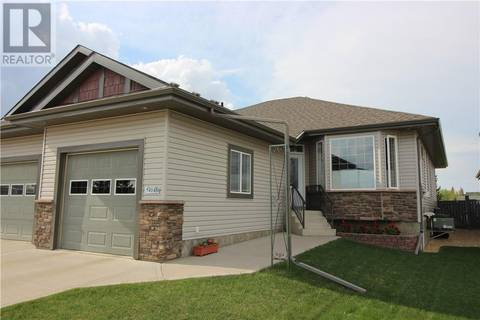 Townhouse for sale at 5414 39 Ave Camrose Alberta - MLS: ca0167872