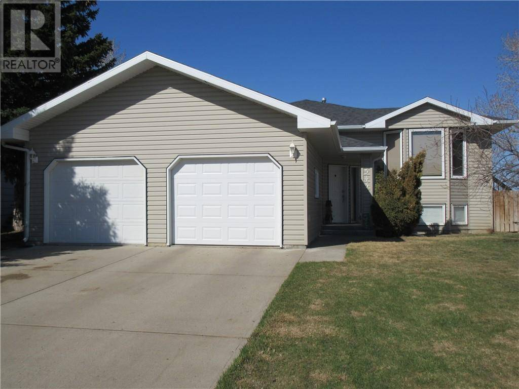House for sale at 543 3 St N Vauxhall Alberta - MLS: ld0192650
