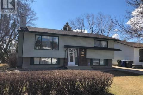 House for sale at 546 Guelph Cres Saskatoon Saskatchewan - MLS: SK776031