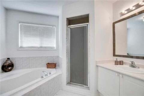Townhouse for rent at 548 Garden Wk Mississauga Ontario - MLS: W4957537