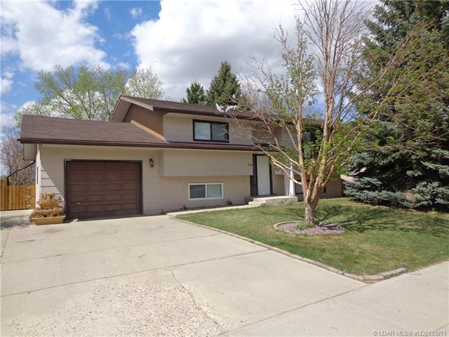 For Sale: 549 3 Street, Vauxhall, AB   4 Bed, 2 Bath House for $219,000. See 15 photos!