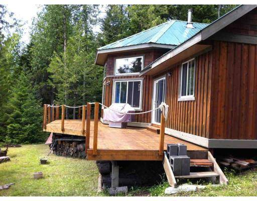 House for sale at 5490 Winkley Creek Rd Williams Lake British Columbia - MLS: R2353423