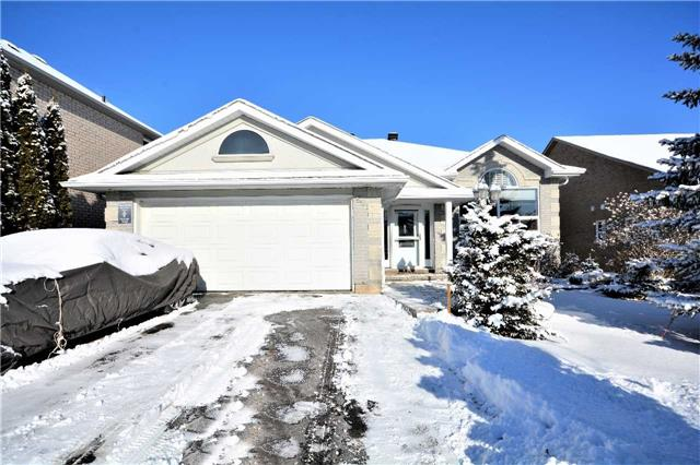 For Sale: 55 Bloxham Place, Barrie, ON   3 Bed, 2 Bath House for $599,888. See 20 photos!