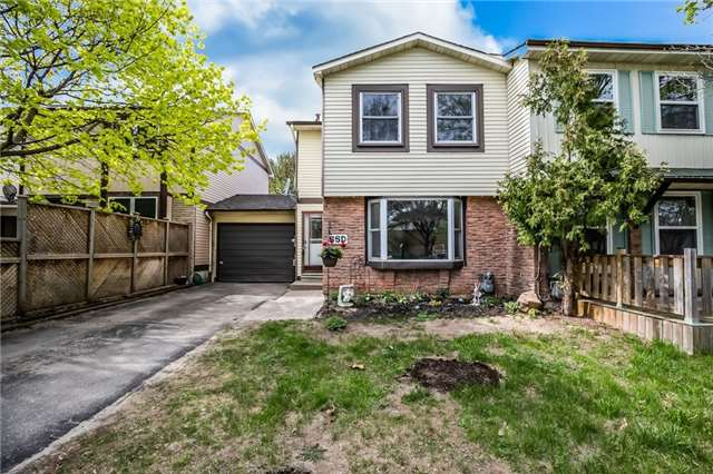 For Sale: 55 Chaucer Crescent, Barrie, ON | 3 Bed, 1 Bath Townhouse for $324,900. See 16 photos!