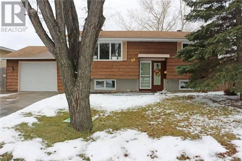 House for sale at 55 Dryburgh Cres Regina Saskatchewan - MLS: SK790907