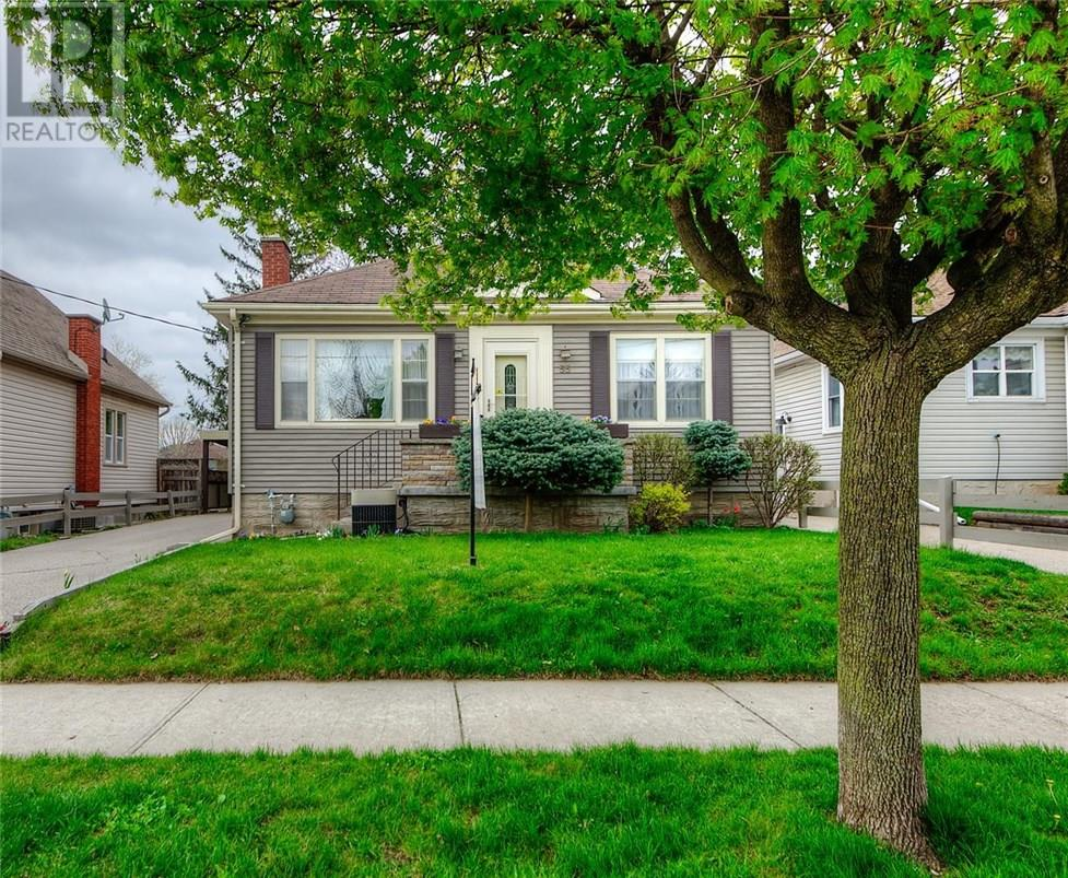 For Sale: 55 Fifth Avenue, Kitchener, ON   3 Bed, 2 Bath House for $439,900. See 40 photos!