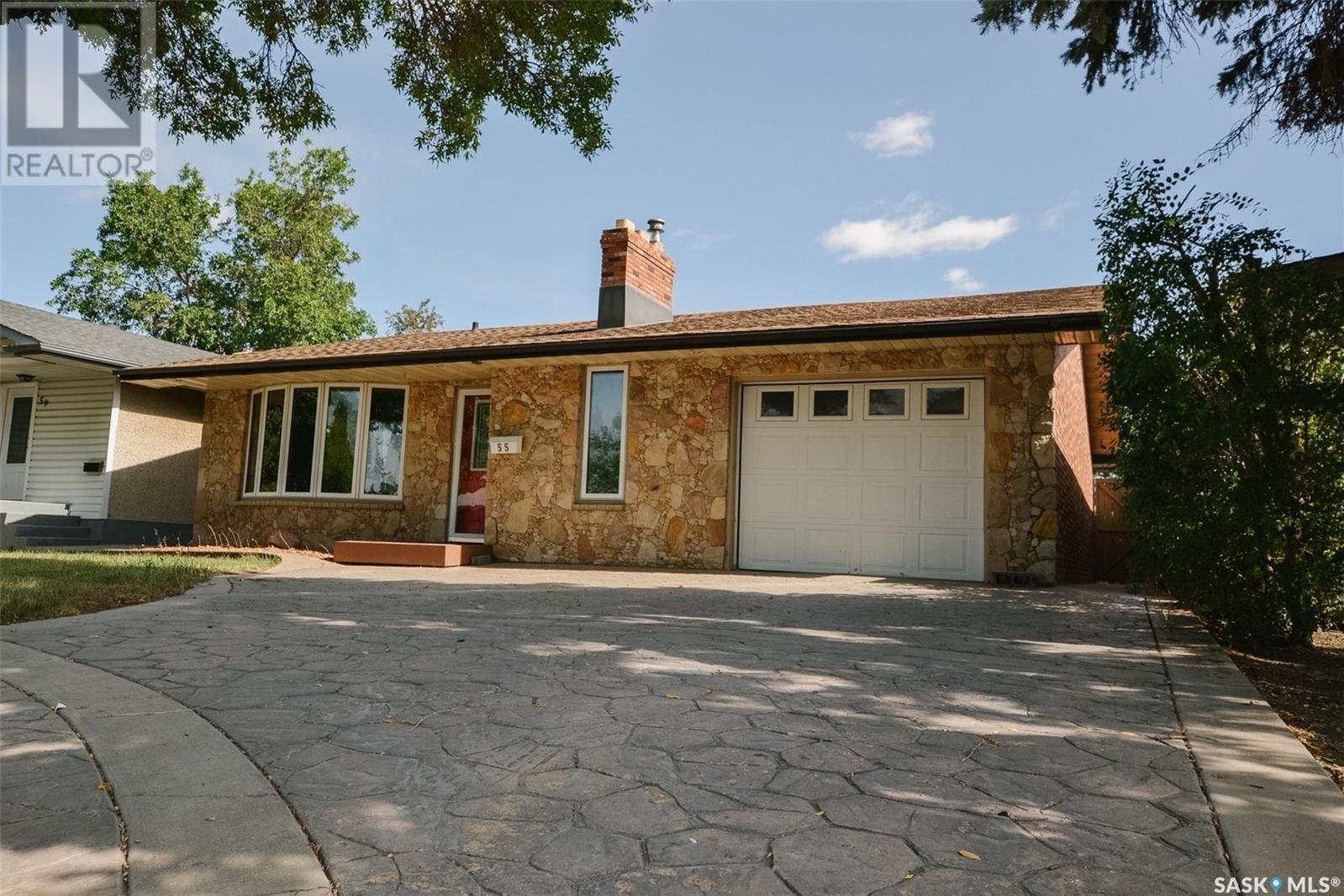 House for sale at 55 Rothwell Cres Regina Saskatchewan - MLS: SK834545
