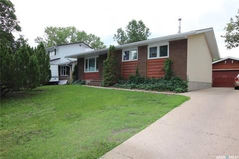 House for sale at 55 Woodsworth Cres Regina Saskatchewan - MLS: SK800485