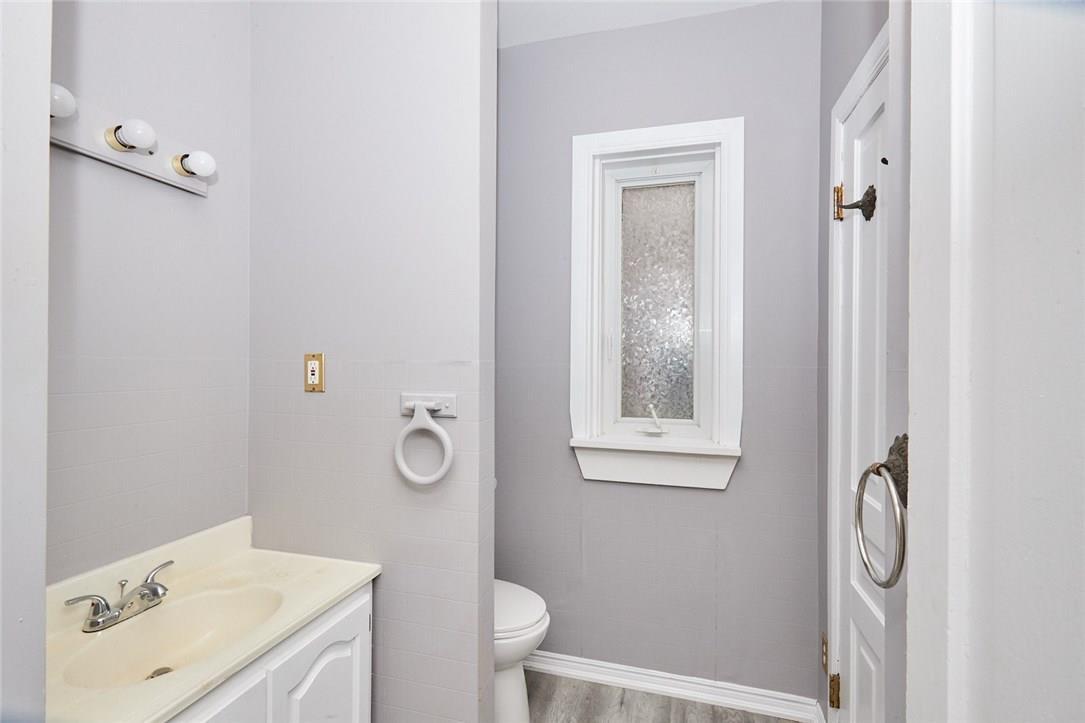 For Sale: 551 Niagara Boulevard, Fort Erie, ON   4 Bed, 2 Bath House for $399,000. See 33 photos!