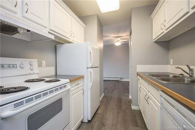 Condo for sale at 5519 Kerry Wood Dr Red Deer Alberta - MLS: A1008655
