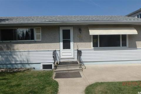 House for sale at 552 6th St E Prince Albert Saskatchewan - MLS: SK773697