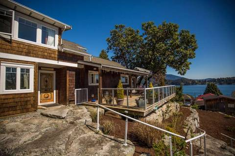 House for sale at 552 Seaview Rd Gibsons British Columbia - MLS: R2452138