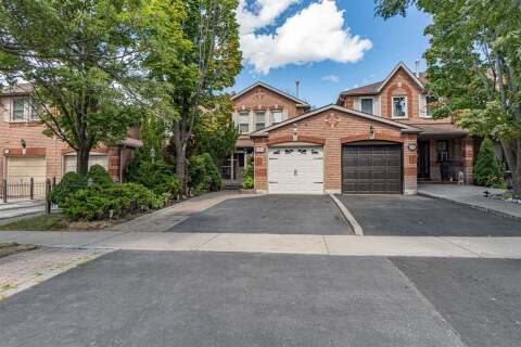 Townhouse for sale at 553 Ashprior Ave Mississauga Ontario - MLS: W4918560