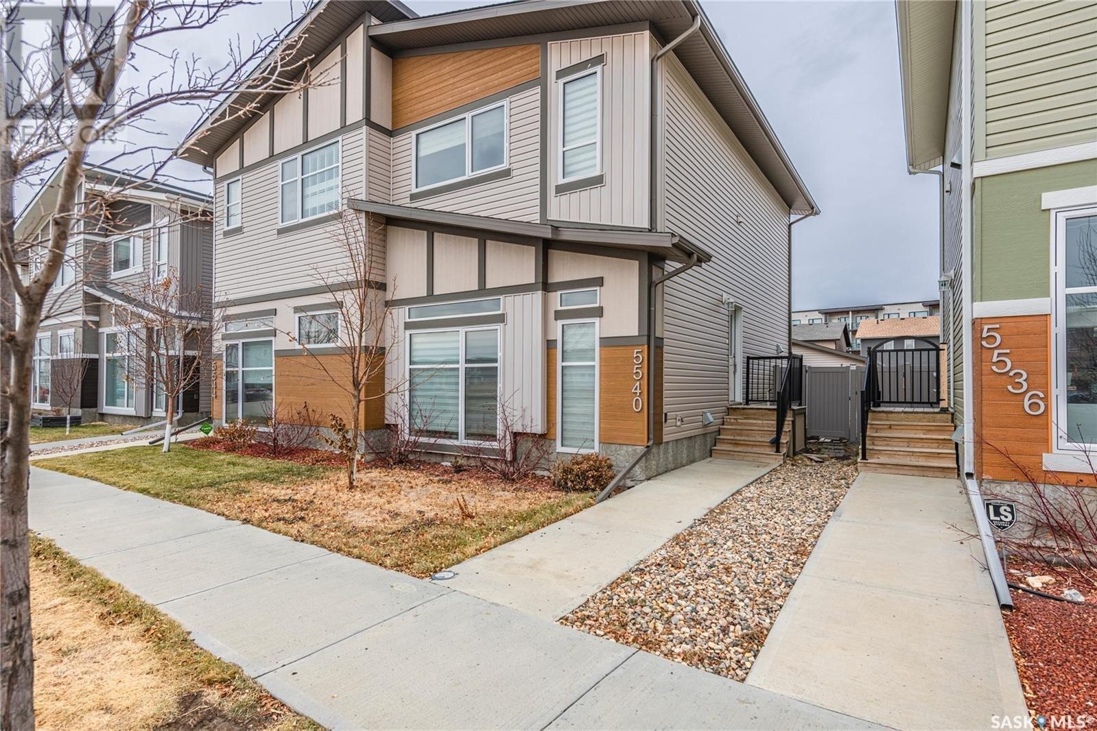 House for sale at 5540 Tutor Wy Regina Saskatchewan - MLS: SK834164