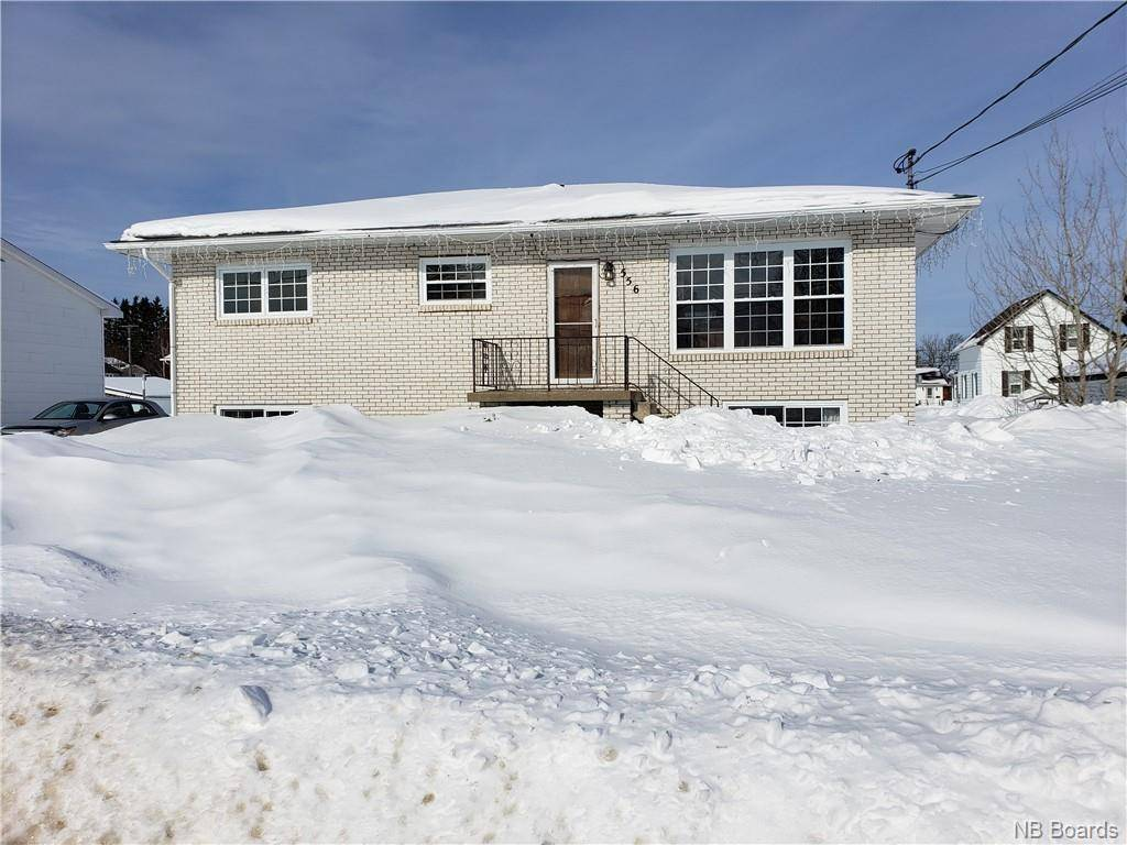 House for sale at  556 St Bathurst New Brunswick - MLS: NB041045
