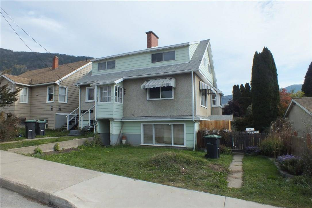 Townhouse for sale at 557 7th Ave Castlegar British Columbia - MLS: 2441630