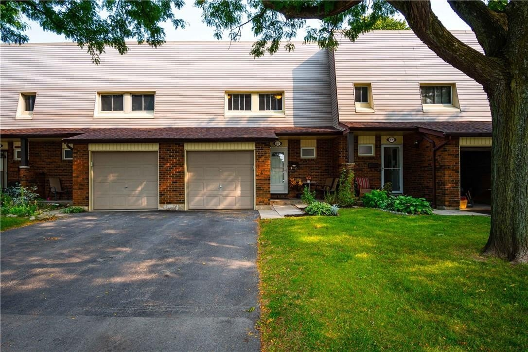 Townhouse for sale at 30 Regent Ave Unit 56 Hamilton Ontario - MLS: H4088493