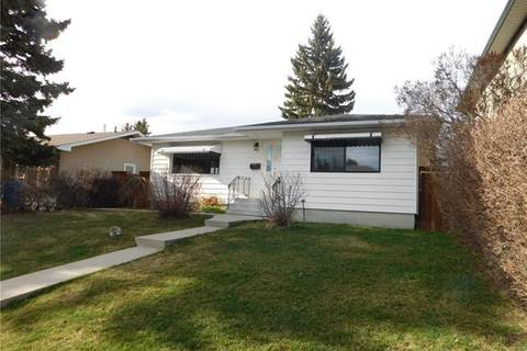 House for sale at 56 Langton Dr Southwest Calgary Alberta - MLS: C4258318