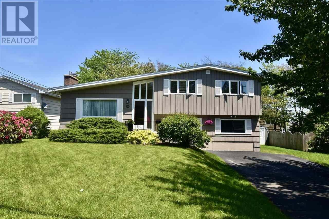 House for sale at 56 Nightingale Dr Rockingham Nova Scotia - MLS: 202010738