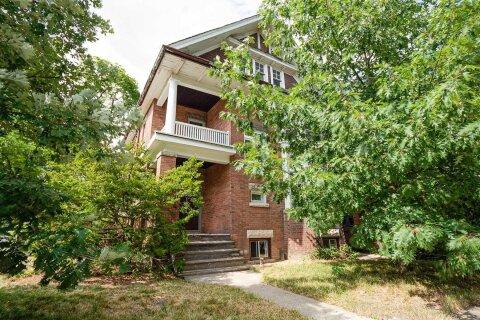 House for sale at 56 Nina St Toronto Ontario - MLS: C4832036