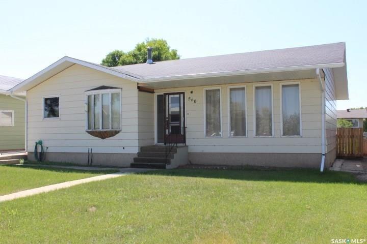 House for sale at 560 7th Ave W Shaunavon Saskatchewan - MLS: SK814702