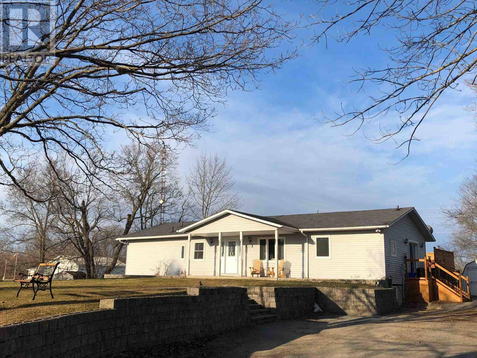 House for sale at 5601 Perth Road Cres South Frontenac Ontario - MLS: K20001540